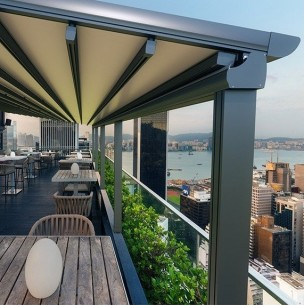 Luna Retractable Awning 3M